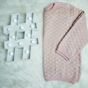 FOREVER 21 crew neck light pink sweater.